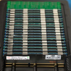 Does fully populating an R710 with RAM hurt performance?